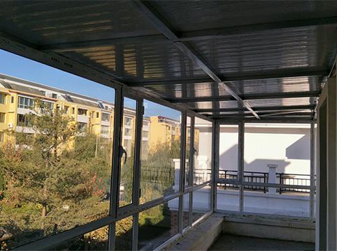 阳台塑钢门窗安装